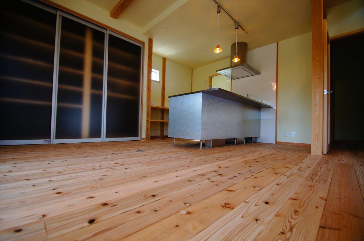 施工事例:こだわりのTOYOキッチン 収納たっぷり5層の家