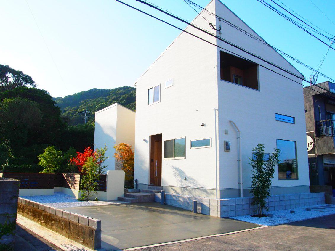 施工事例:坪庭のある海を眺める家