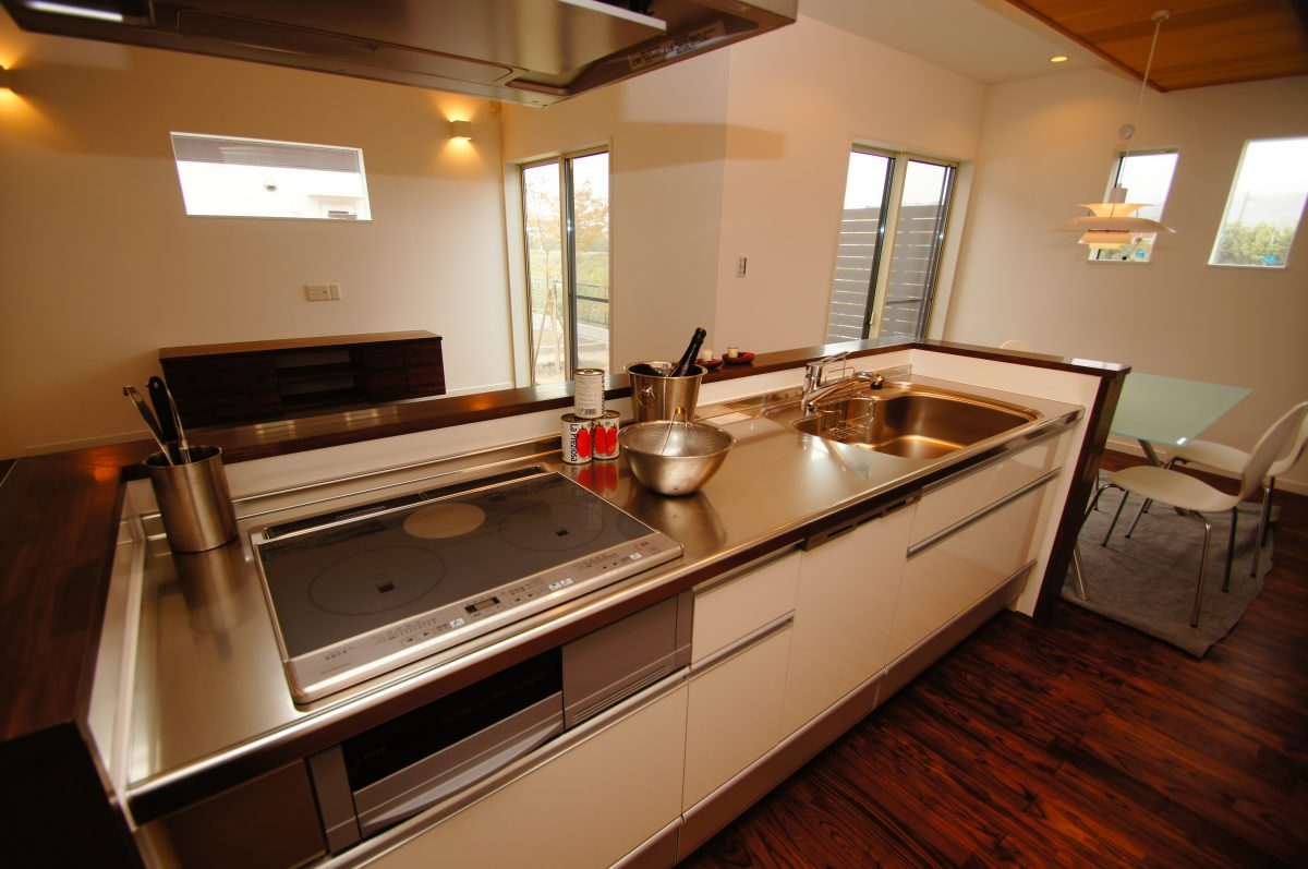施工事例:照明計画で演出する 温かく落ち着く空間のお家