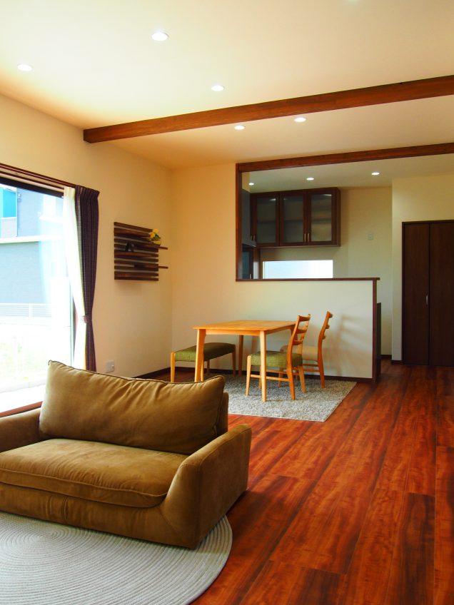 施工事例:収納と大きな吹き抜けのある家