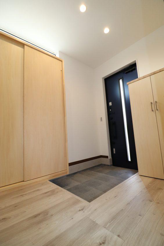 施工事例:モダンな小上がり和室が魅力的な家族団らんの家