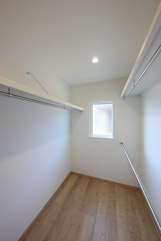 施工事例:勾配天井のある広々リビングのお家