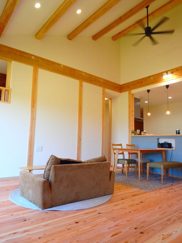 施工事例:廊下に大きな棚のあるお家