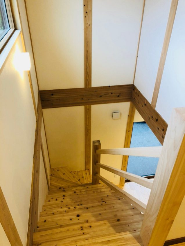 施工事例:オシャレな壁付けキッチンのあるお家