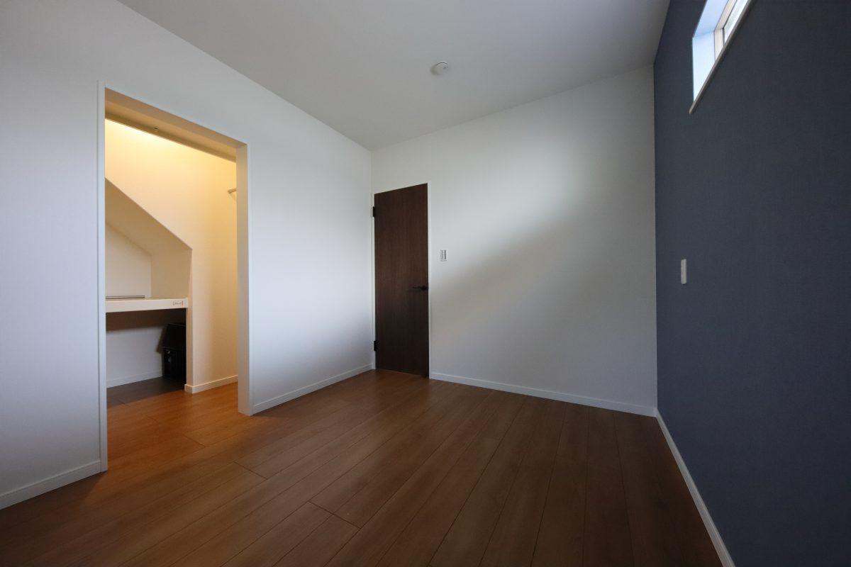 施工事例:収納たっぷりの暮らしやすい1階寝室の2階建て