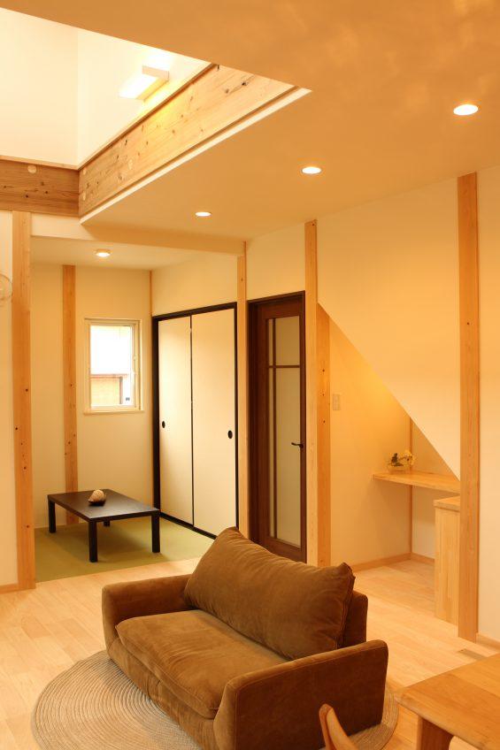 施工事例:階段に飾り棚のあるお家