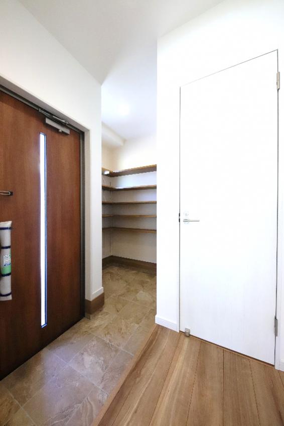 施工事例:LDKに寛ぎの畳スペースがある2階建て