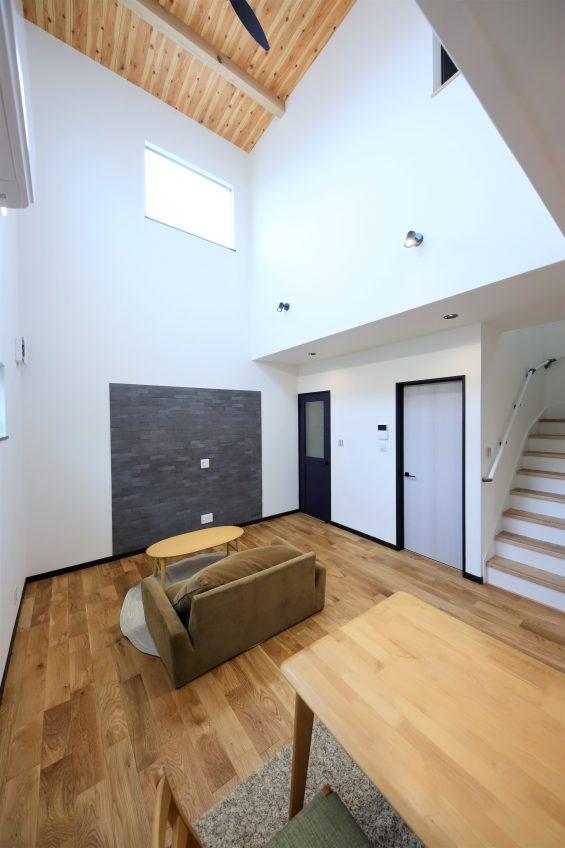 施工事例:30坪の狭小地に建つこだわりの2階建